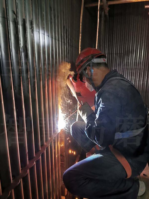 流化床锅炉水冷壁格珊经纬新材料超合金导流板防磨工艺